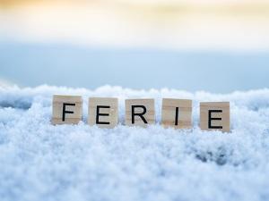 napis ferie na sniegu
