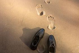 slady na piasku buty